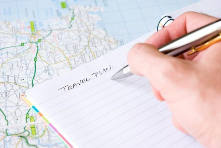 7 Steps to plan a perfect trip: Schedule, Preparation, booking flights